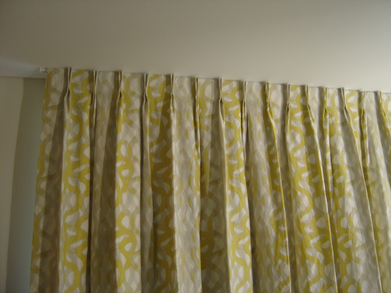 What Is Pinch Pleat Curtains Pinch Pleat Drapes Cleara